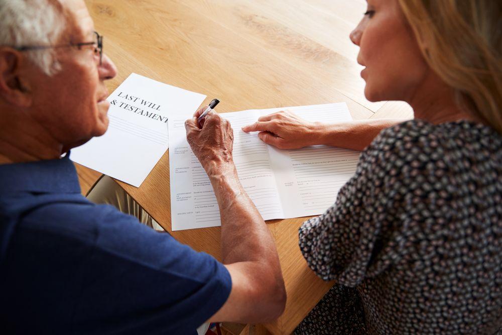 Schenken wel of niet bij notariële akte - Trouw advies